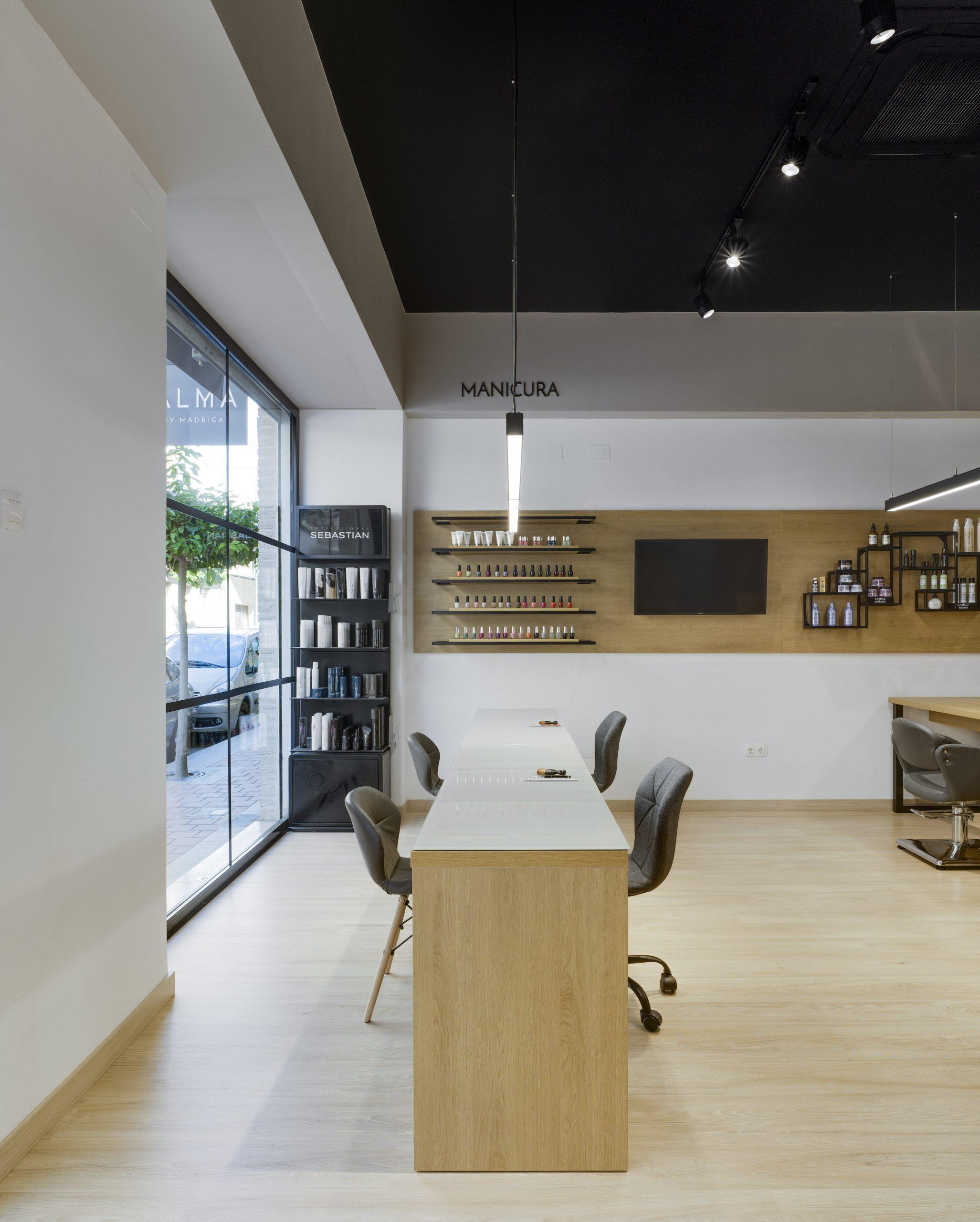 NAYA arquitectos alicante alma by madrigal lateral manicura