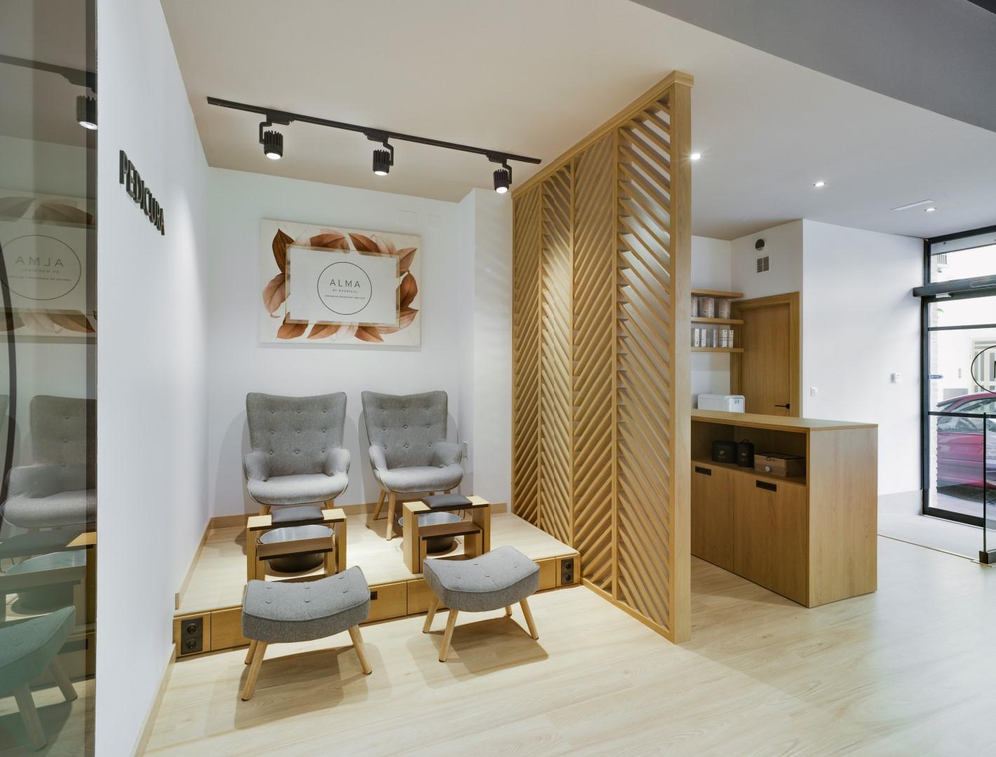 NAYA arquitectos alicante alma by madrigal pedicura