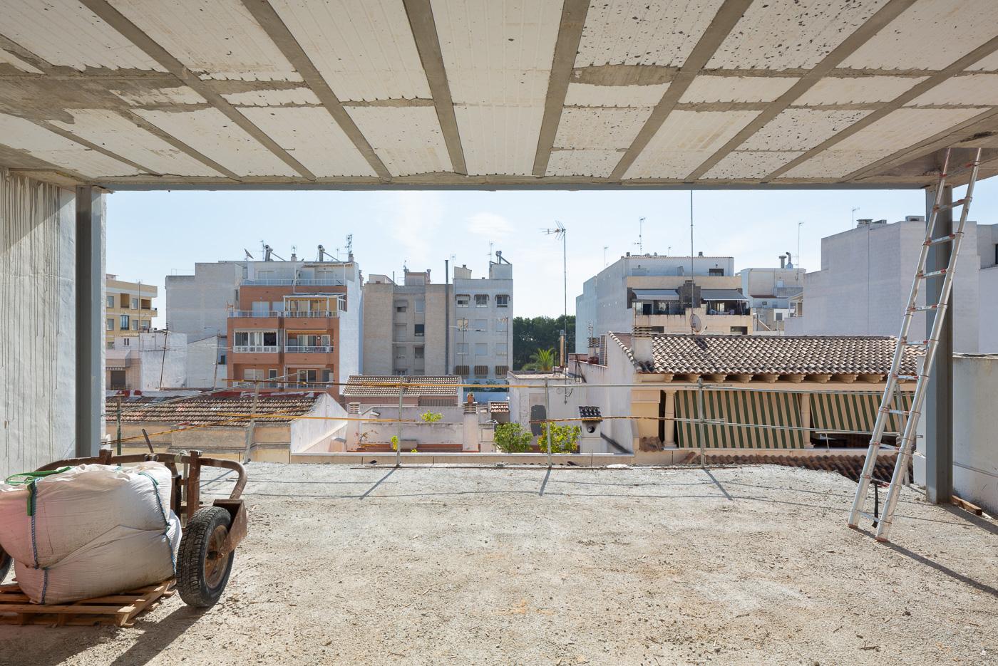 NAYA arquitectos alicante duplex en Guardamar obra portico