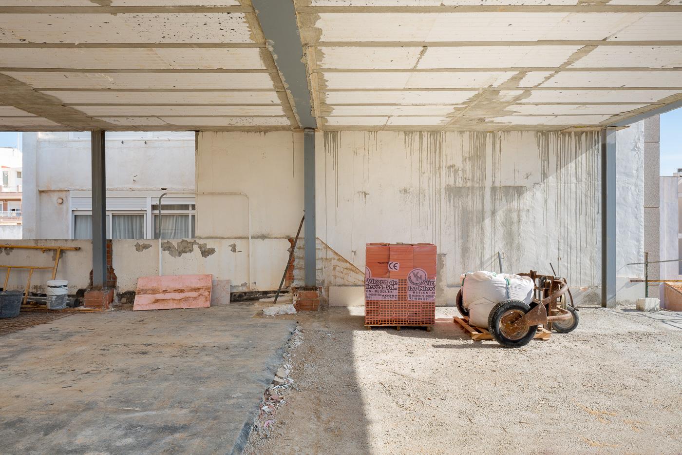 NAYA arquitectos alicante duplex en Guardamar obra lateral